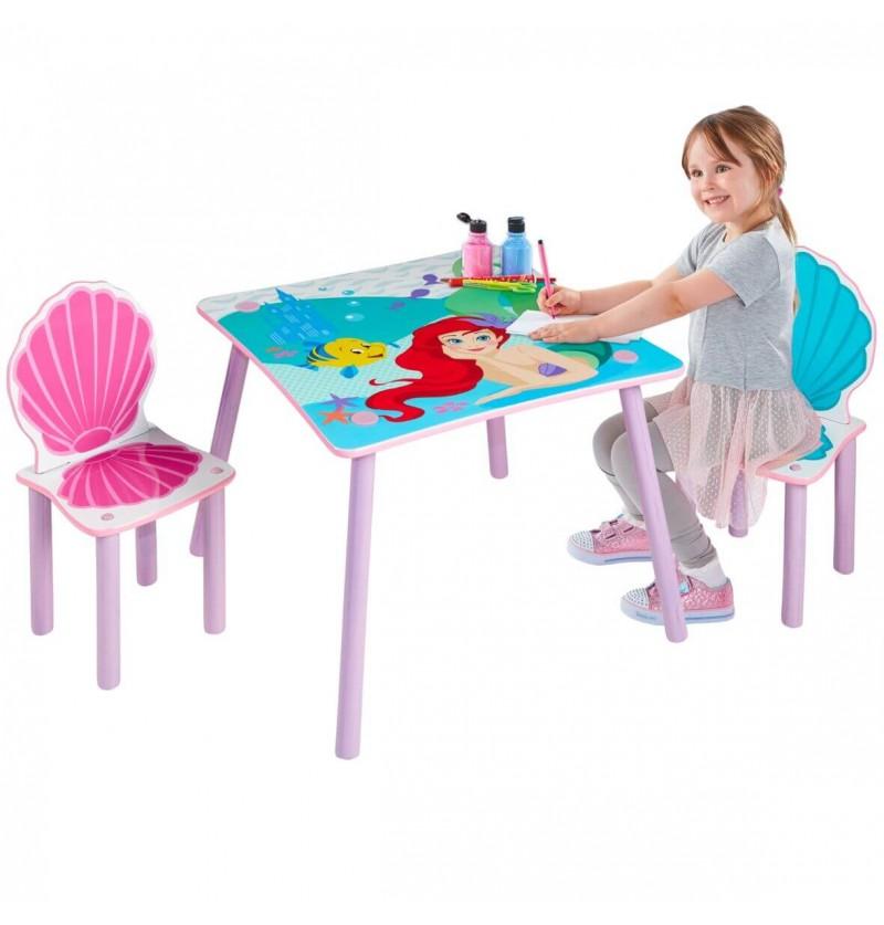 Tavolo e sedie in legno Ariel